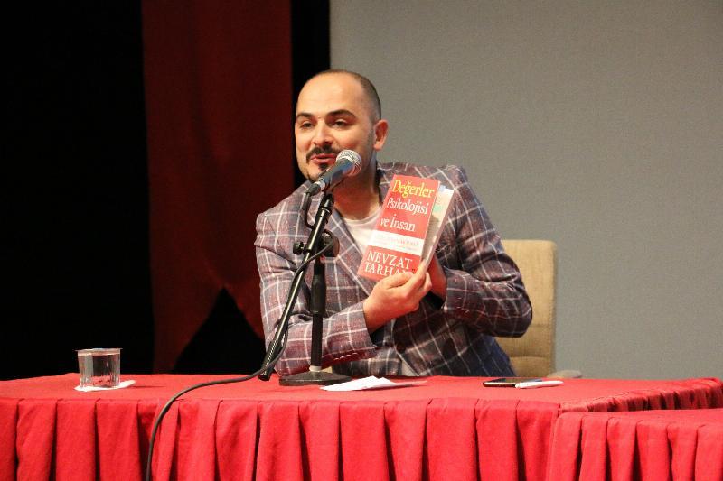 """Prof. Dr. Nevzat Tarhan: """"Deist gibi görünen genç sorgulayan gençtir"""" 3"""