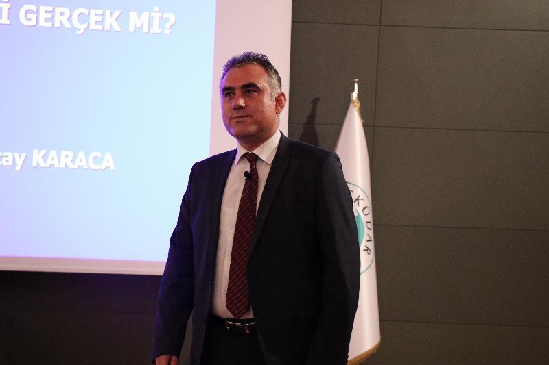 """Üsküdar Üniversitesinde """"21. Yüzyıl Türk Dış Politikası"""" konuşuldu 2"""