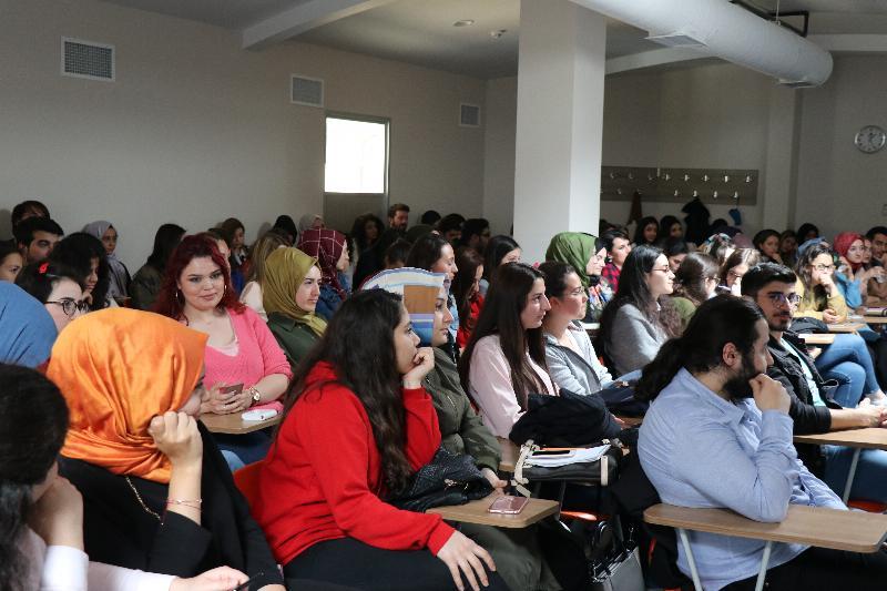Değişik üniversitelerden psikoloji öğrencileri Üsküdar Üniversitesini ziyaret etti