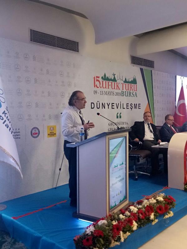 Prof. Dr. Nevzat Tarhan 'Sekülerizmin Hastalıkları ve Tedavisi' ni anlattı