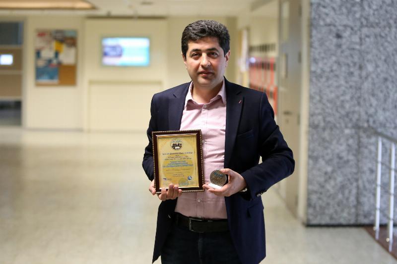Türk dünyasına katkılarından dolayı Prof. Dr. Abulfez Süleymanov'a ödül