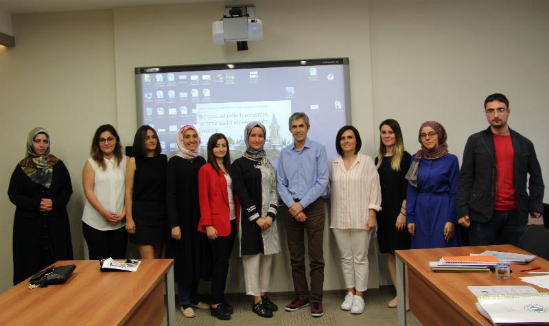 Yeni Medya ve Gazetecilik öğrencileri tezlerini jüri önünde sundu 3