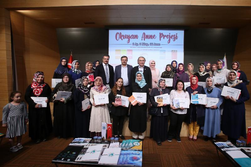 Okuyan Anne Projesi'nin anneleri  Üsküdar Üniversitesi'nde Prof. Dr. Nevzat Tarhan ile buluştu 6