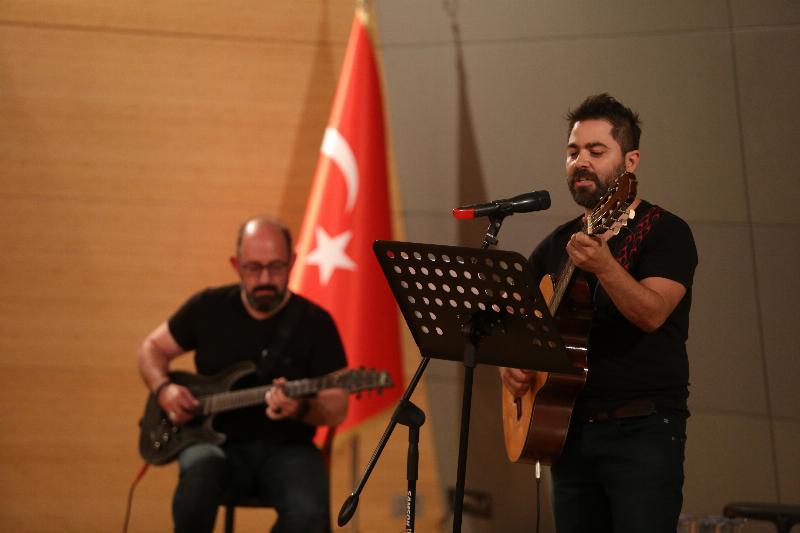 """Üsküdar Üniversitesinde """"Yaza Merhaba"""" konseri 3"""
