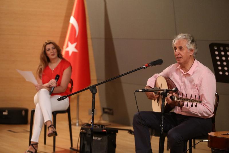 """Üsküdar Üniversitesinde """"Yaza Merhaba"""" konseri 2"""