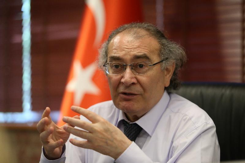 """Prof. Dr. Nevzat Tarhan: """"İzinsiz dokunmak, sevmek suç olmalı"""""""