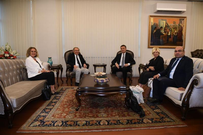 Milli Eğitim Bakanı, Üsküdar Üniversitesi heyetini kabul etti