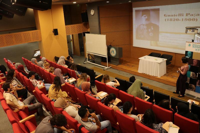 """Prof. Dr. Sinan Canan: """"İnsan zihni kapalı bir kutu gibidir"""""""