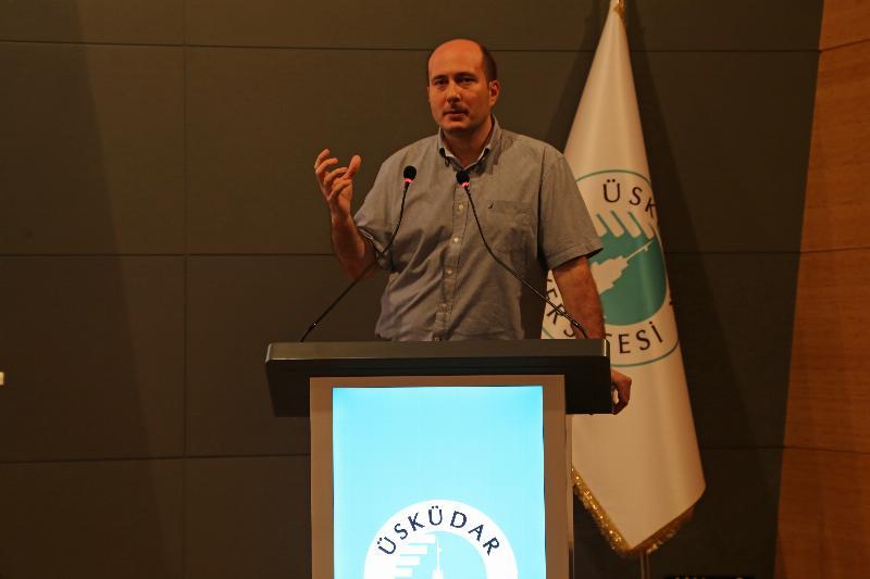 Üsküdar Üniversitesinde yapay zekâ ve robotik çalışmalar konuşuldu 2