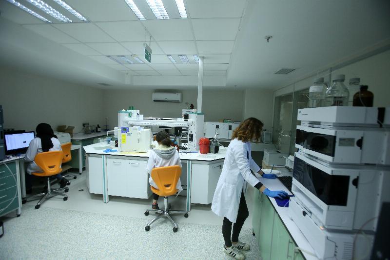 Üsküdar Üniversitesinde milli ilaç geliştirecek merkez açıldı