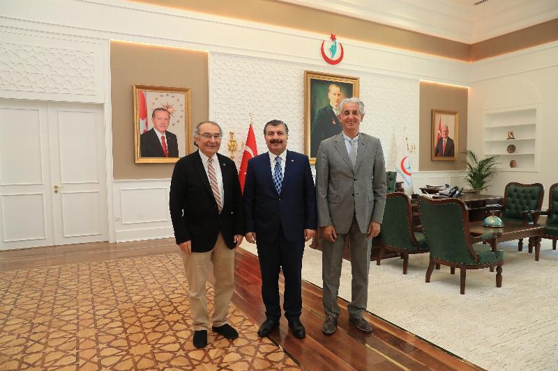 Üsküdar Üniversitesinden Sağlık Bakanı Fahrettin Koca'ya ziyaret