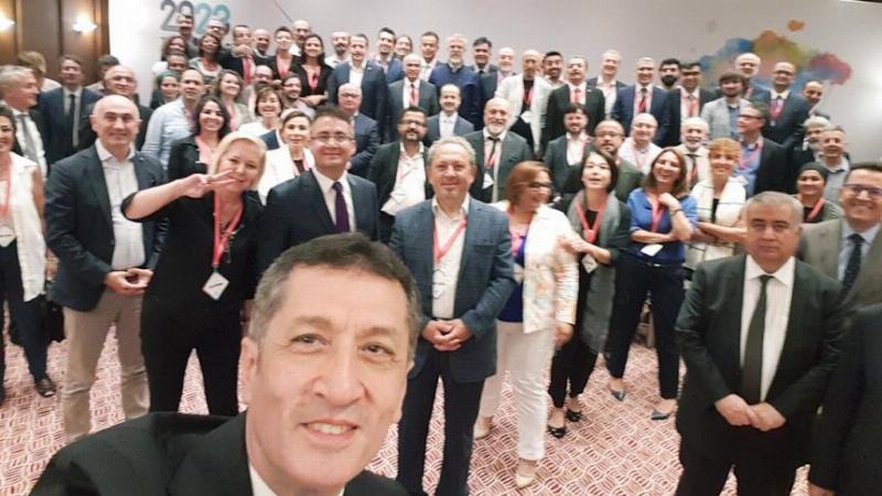 Prof. Dr. Sinan Canan 2023'e Doğru Türkiye Eğitim Sistemi Bulma Konferansı'na katıldı