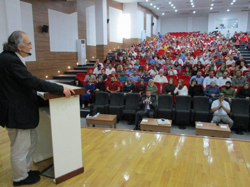 Prof. Dr. Nevzat Tarhan'dan Gaziantep'te iki konferans