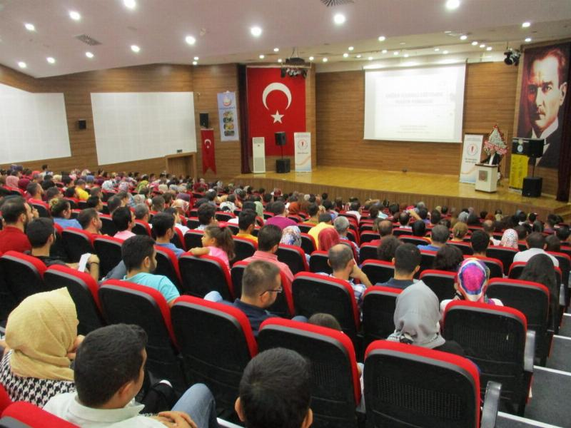 Prof. Dr. Nevzat Tarhan'dan Gaziantep'te iki konferans 4