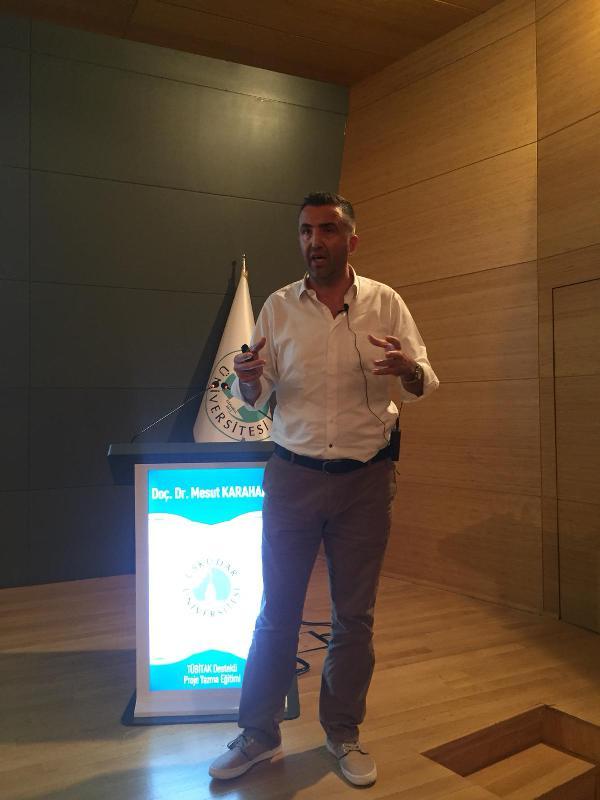 Üsküdar Üniversitesinde TÜBİTAK Destekli Proje Yazma Eğitimi verildi 4