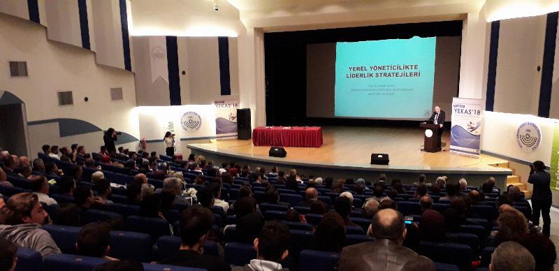 """Prof. Dr. Nevzat Tarhan: """"Ar-Ge'ye bütçe ayırmıyorsak gençleri unutalım"""""""