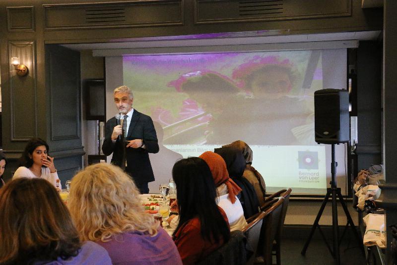 """Prof. Dr. Nevzat Tarhan: """"Çocuğu yok saymak, çocuğu dövmekten daha kötü"""" 3"""