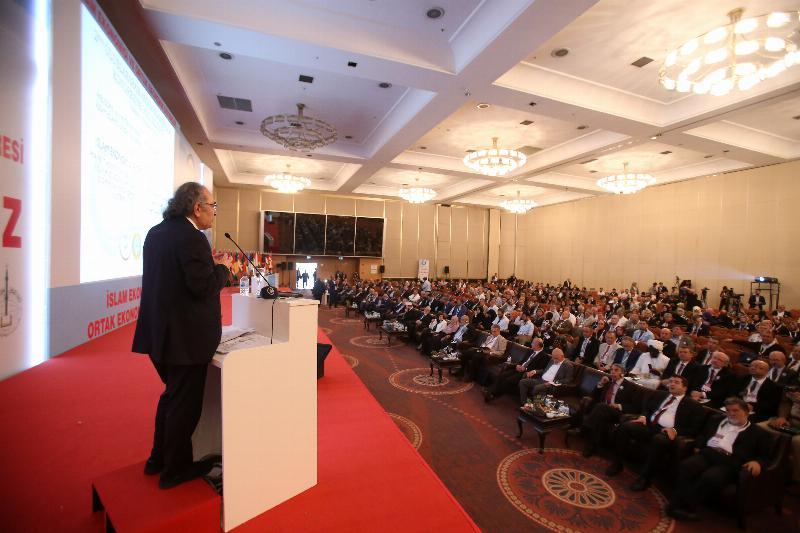 """Prof. Dr. Nevzat Tarhan: """"İslamiyet devrim değil, evrim öngörüyor"""" 4"""