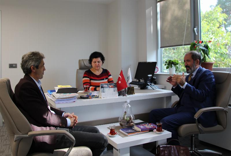 RATEM Başkanı Yusuf Gürsoy Üsküdar Üniversitesi İletişim Fakültesi'ni ziyaret etti