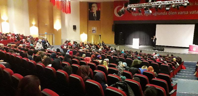 Tarhan Erzurum'da gençlerle buluştu 2