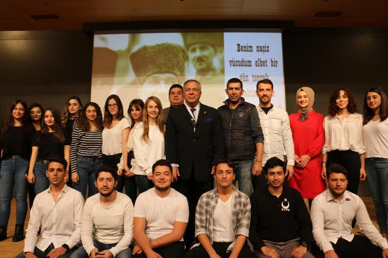 Atatürk diğer liderlerle mukayese edilemez 4