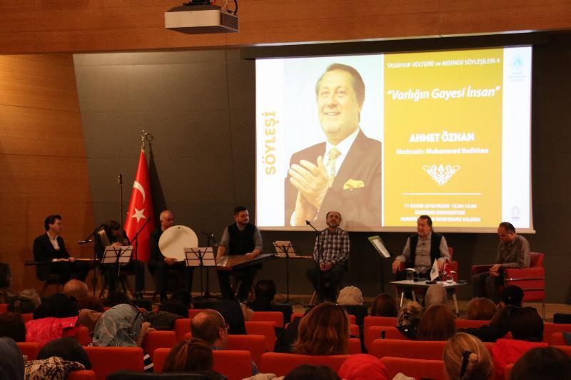 """""""Varlığın Gayesi İnsan"""", Üsküdar Üniversitesi'nde konuşuldu"""