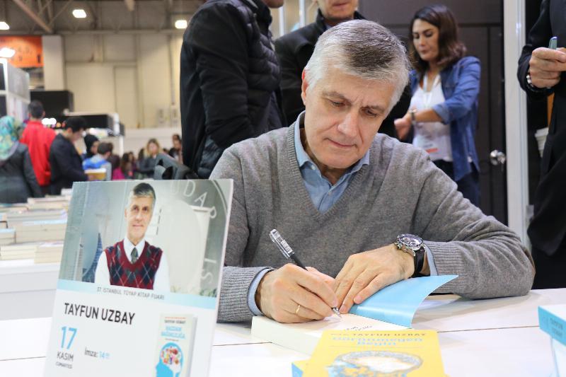 Üsküdar Üniversitesi TÜYAP Kitap Fuarı'na damga vurdu 3