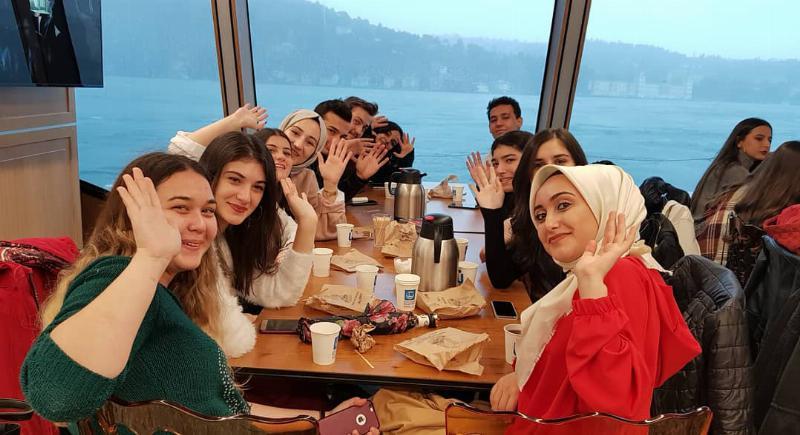 Ergoterapi öğrencileri vizelerin stresini Boğaz'da attı 4