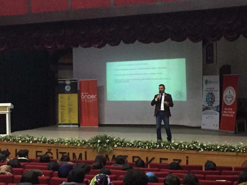 Üsküdar Üniversitesi Malatya'da rehber öğretmen ve öğrencilerle buluştu