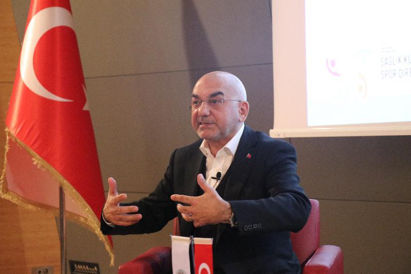 Parlamenter Ozan Ceyhun Üsküdar Üniversitesinde 2