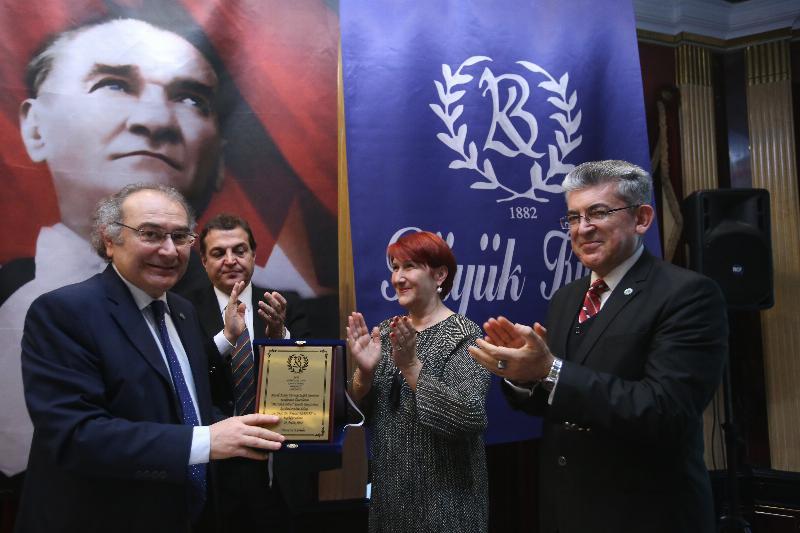 """Prof. Dr. Nevzat Tarhan Büyük Kulüp'te """"Mutluluk Bilimi"""" ni anlattı 5"""