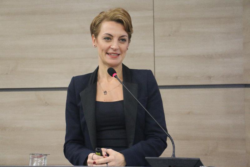 """Halkla İlişkiler Sempozyumunda """"Kurumsal Sosyal Sorumluluk"""" ele alındı 6"""