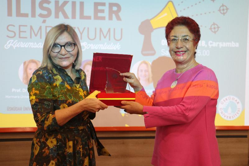 """Halkla İlişkiler Sempozyumunda """"Kurumsal Sosyal Sorumluluk"""" ele alındı 11"""