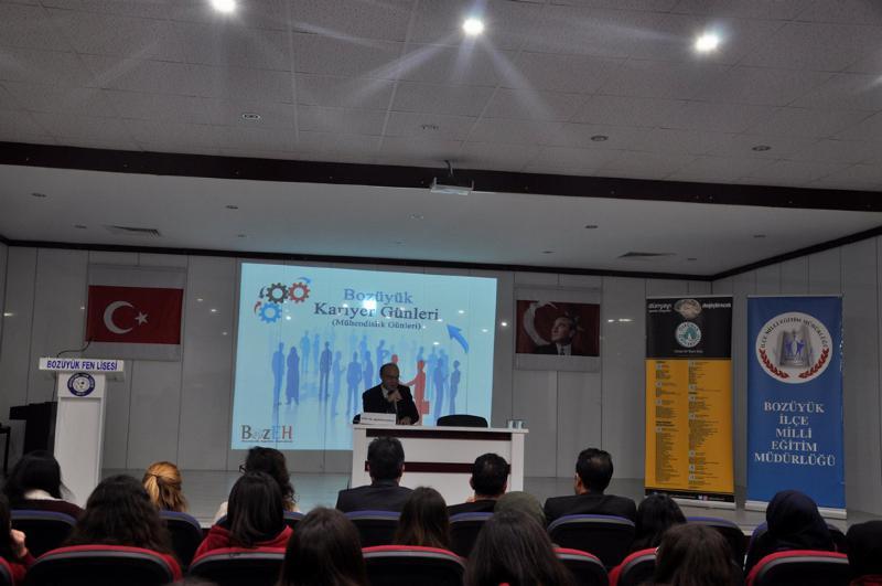 Prof. Dr. Muhsin Konuk Bozüyük'te öğrencilerle buluştu