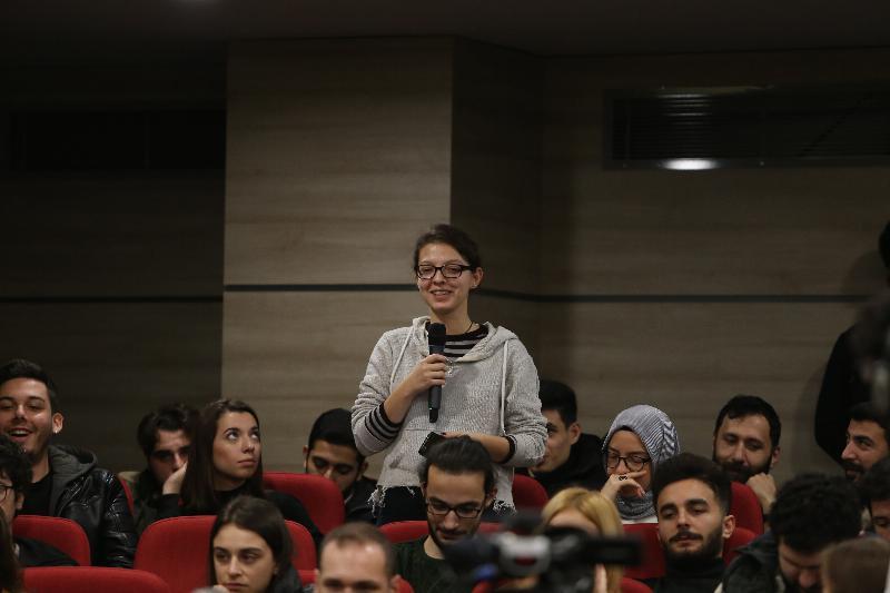 Rektör buluşmalarının ilki İletişim öğrencileriyle yapıldı 5