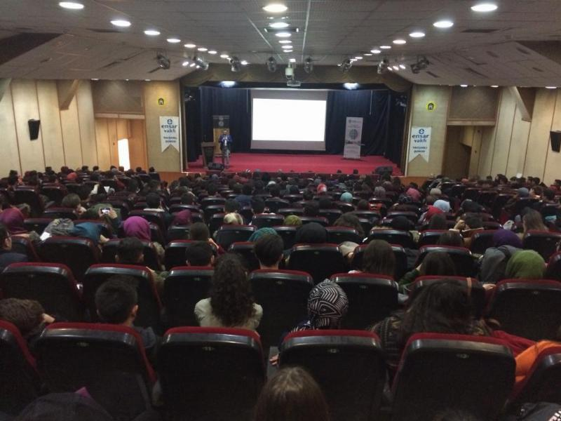 Üsküdar Üniversitesi Kütahya'da aday öğrencilerle buluştu