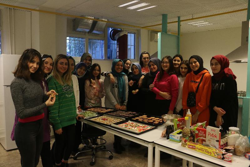 Üsküdar öğrencileri mutfakta 3
