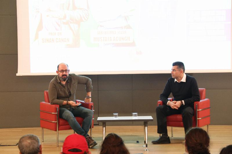 """Prof. Dr. Sinan Canan: """"Yapay zeka haberlerinin yarısı asılsız"""""""