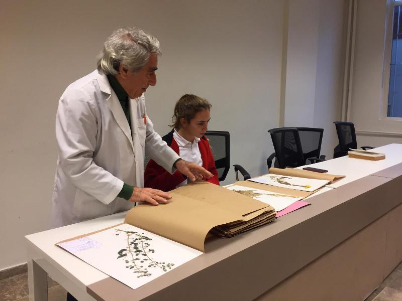 Galatasaray Lisesi öğrencileri Üsküdar Üniversitesi Herbaryumunu ziyaret etti 3