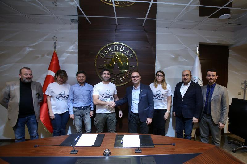 Üsküdar Üniversitesi ile Ahtapot Gönüllüleri Derneği arasında işbirliği