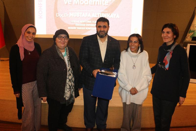"""""""Ekonomi-Politik Bir Süreç Olarak Sûf Hareketi ve Modernite"""" konferansı yapıldı 4"""
