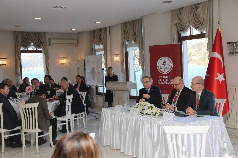 """Prof. Dr. Nevzat Tarhan: """"Eğitimde askeri düzen alışkanlığının sorgulanması gerekiyor"""""""
