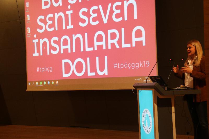 """Prof. Dr. Deniz Ülke Arıboğan: """"İnsanı tanımlamaktan vazgeçilemez"""""""