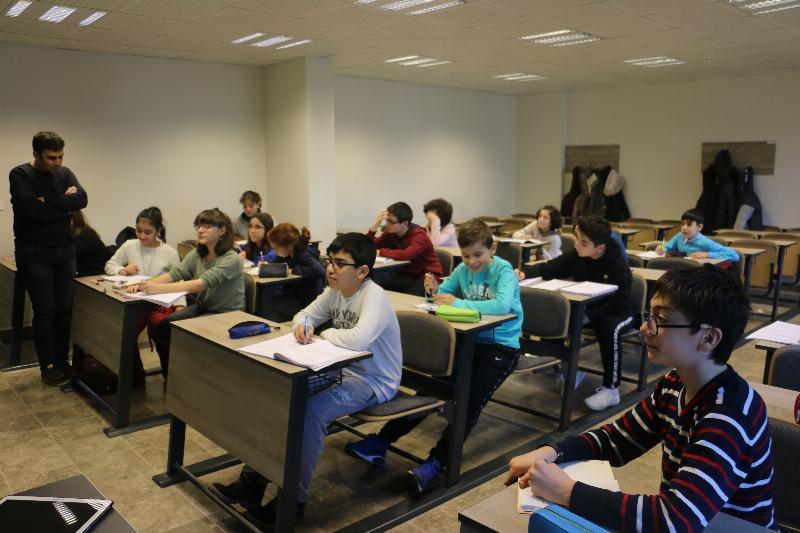 Bilim Olimpiyatları Öğrencileri 3. kez Üsküdar'da