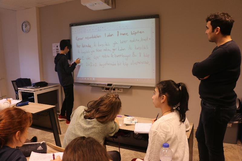 Bilim Olimpiyatları Öğrencileri 3. kez Üsküdar'da 3
