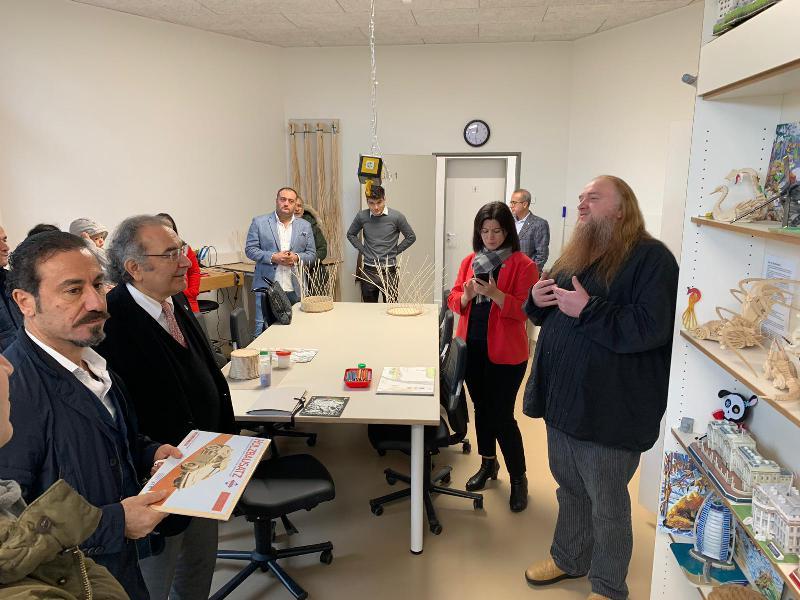 Prof. Dr. Nevzat Tarhan Almanya'da göç kliniğini ziyaret etti 2