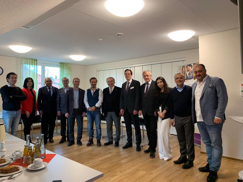 Prof. Dr. Nevzat Tarhan Almanya'da göç kliniğini ziyaret etti