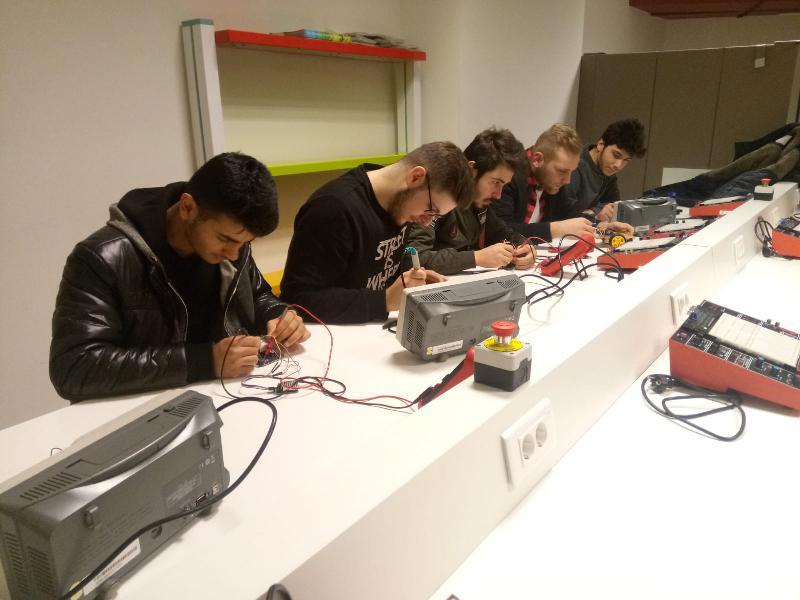 Üsküdarlı öğrenciler, teknolojik cihazların üretimine imza attı