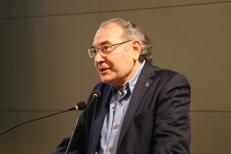 Prof. Nevzat Tarhan: