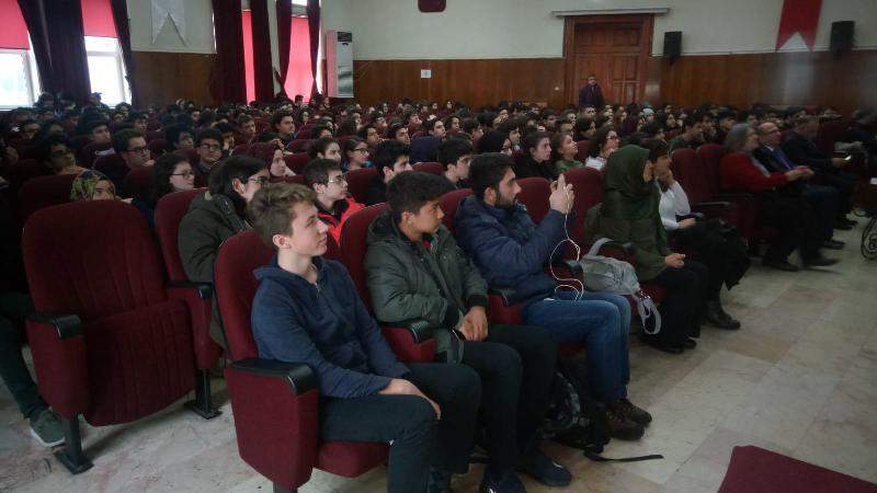Prof. Dr. Haydar Sur öğrencilerle bir araya geldi 2